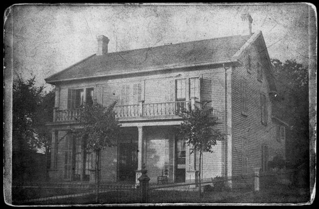 47 Irvine Park (1880)