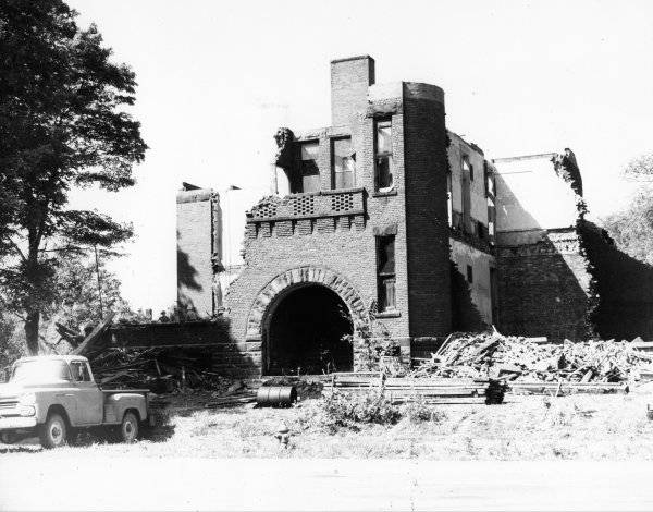 Demolition of North Park School in 1964