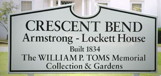 Sign located in front of the Crescent Bend property.