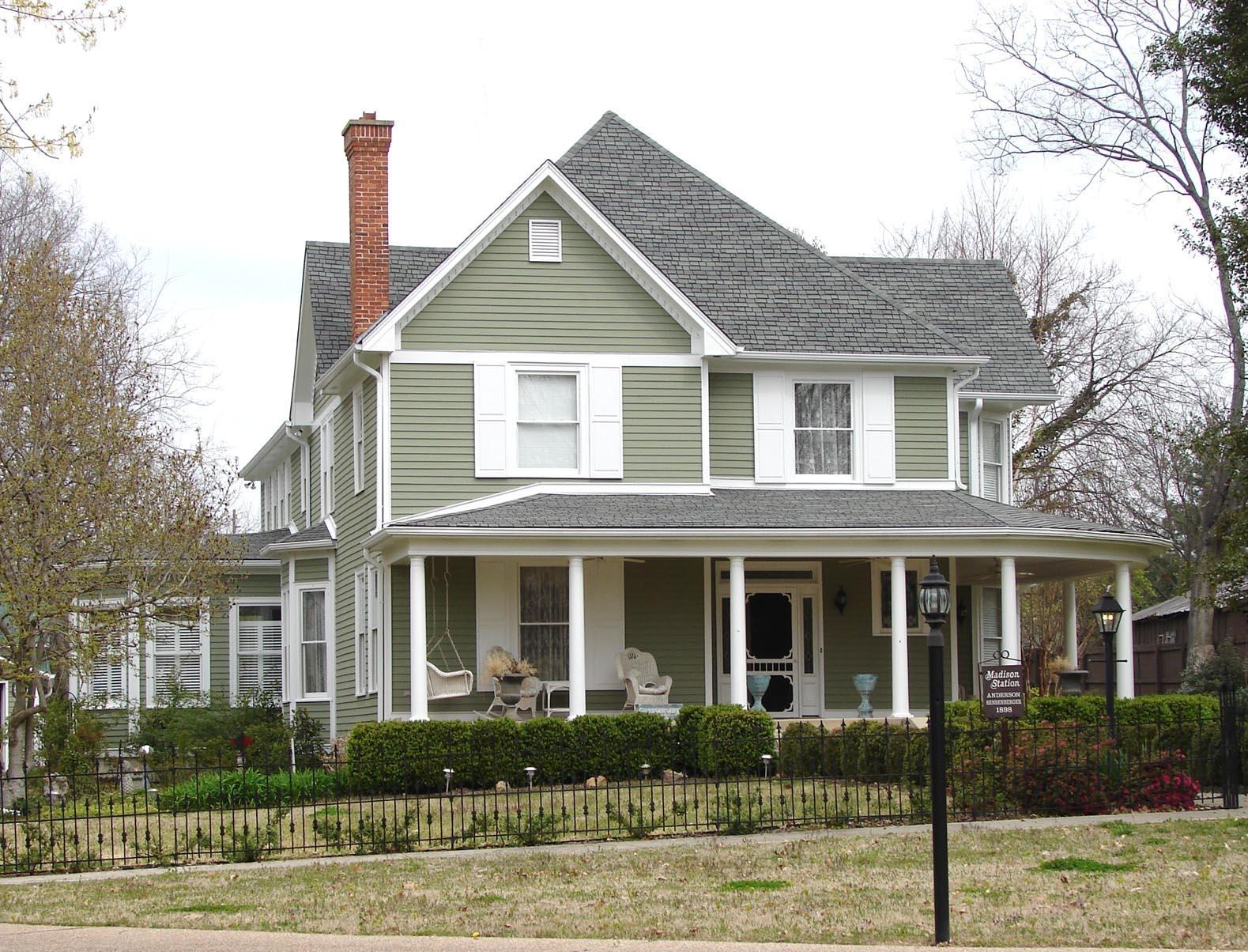 17 Front Street - Sensenberger Home