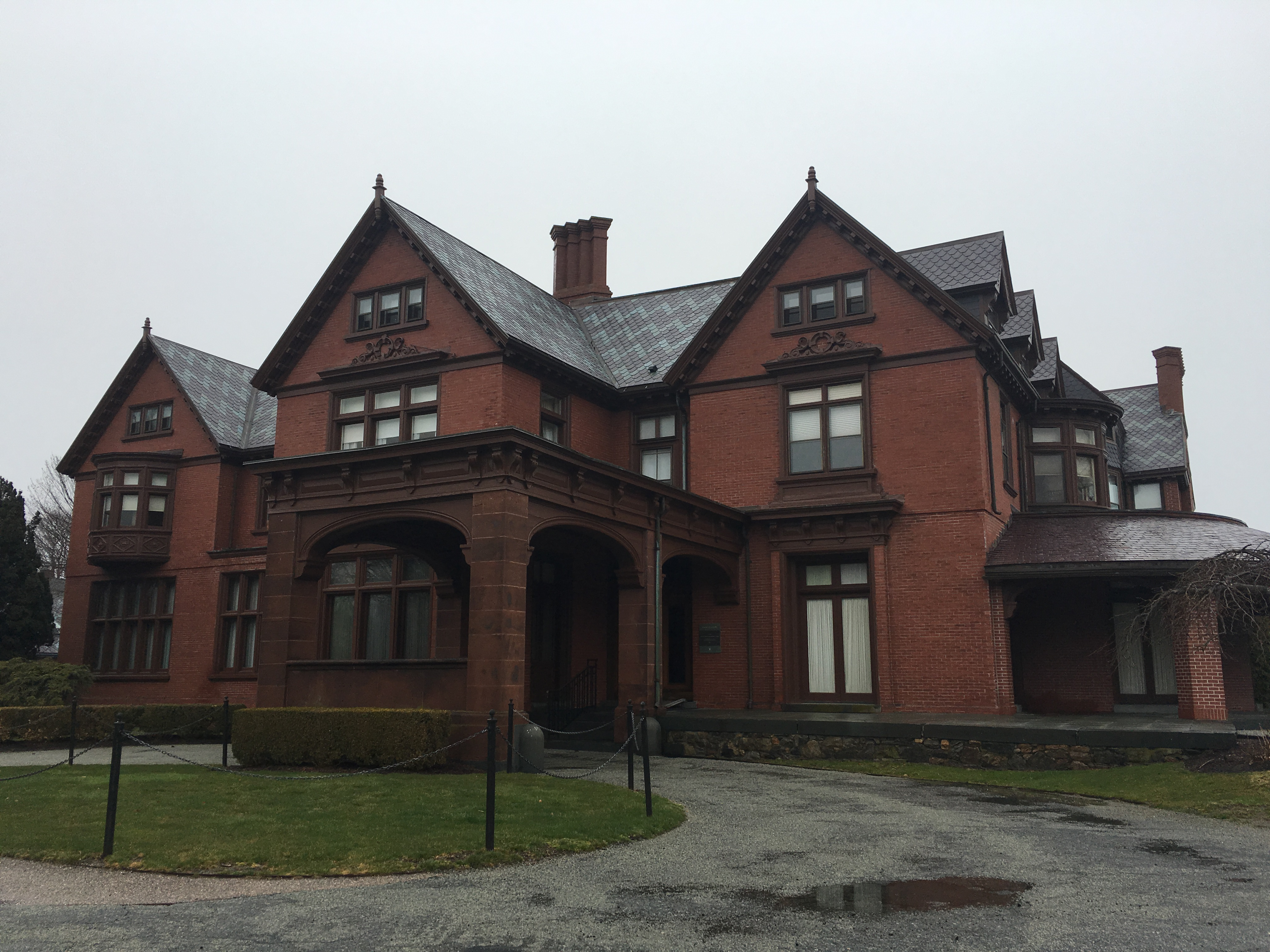 The front of Fairlawn Estate facing Bellevue Avenue.