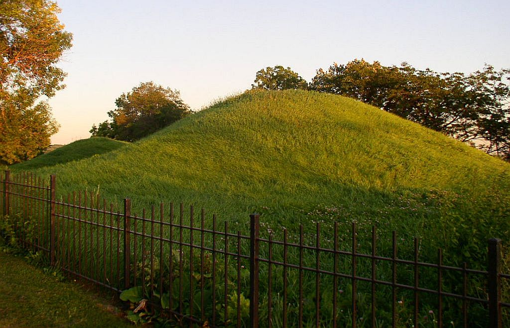 Indian Mounds Regional Park was founded in the 1890s to save these and the other remaining prehistoric mounds.