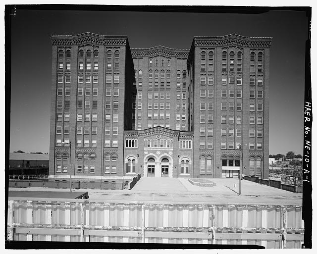 Front view of the South Omaha Livestock Exchange Building. Courtesy of the Library of Congress