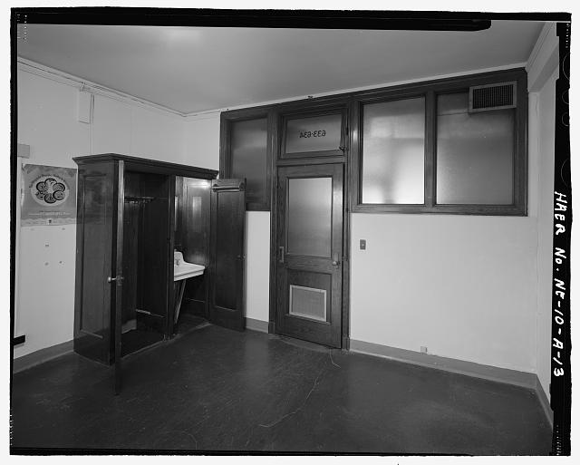 Interior view of an empty room in the South Omaha Livestock Exchange Building. Courtesy of the Library of Congress