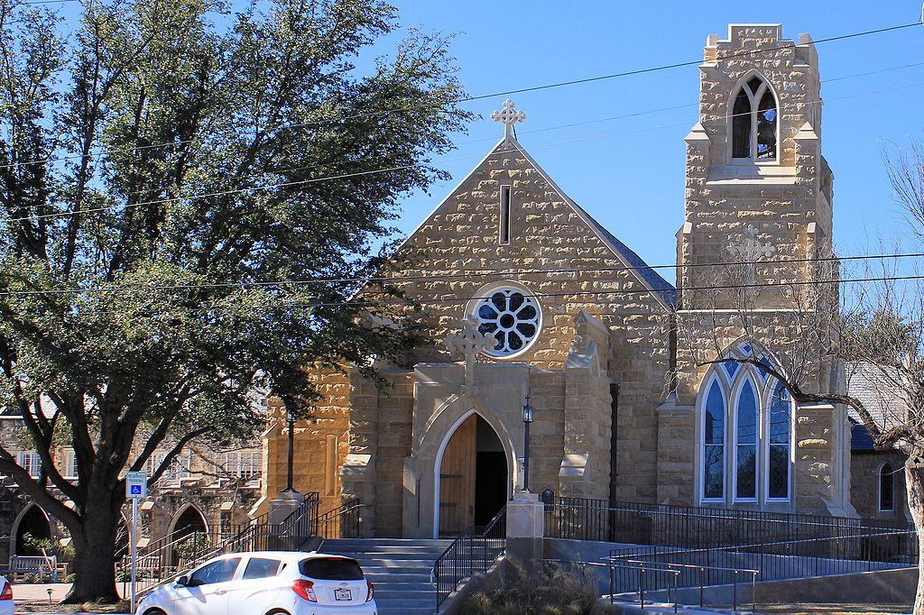 Emmanuel Episcopal Church was built in 1929 and is home to a congregation established in 1884.