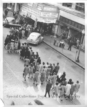 Crowd at the theater in 1944