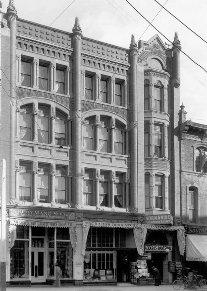 Nesmith-Greely Building in 1906