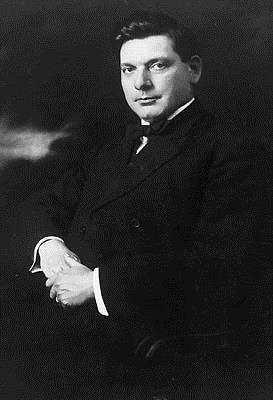 Irving Gil