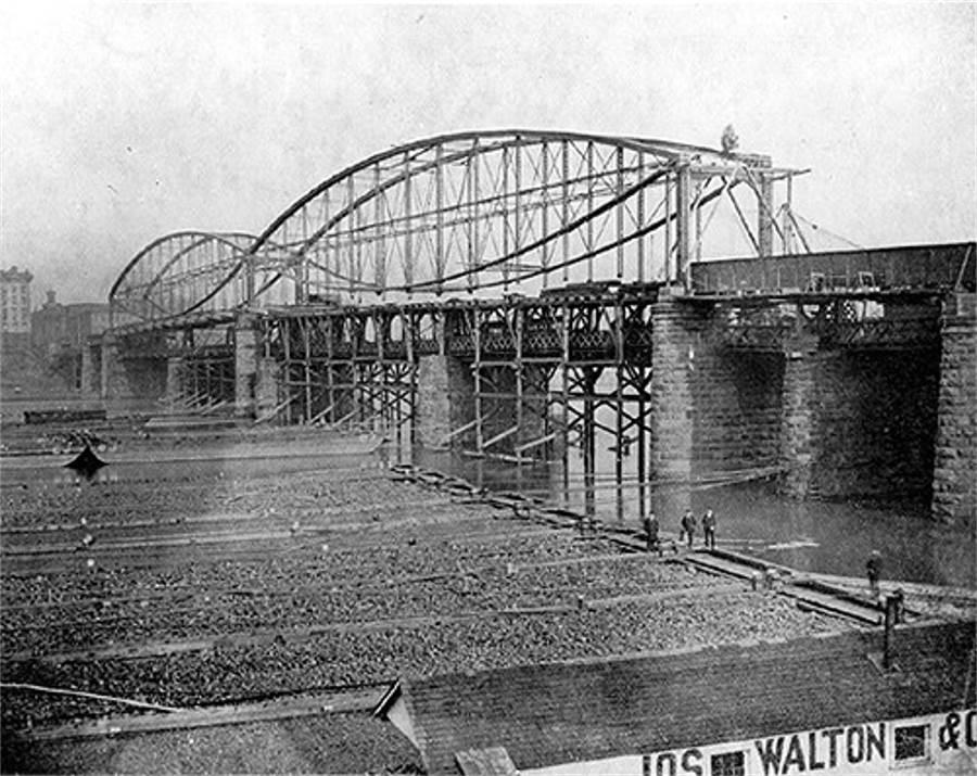 The Smithfield Street bridge during construction in 1882.  Notice Roebling's bridge, still operational, underneath.