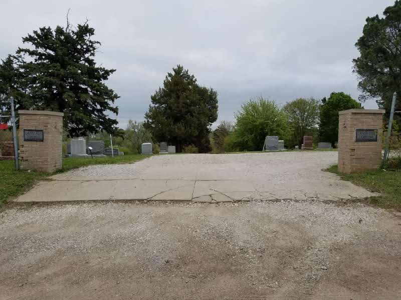 Entrance to Laurel Hill Cemetery along 21st Street.