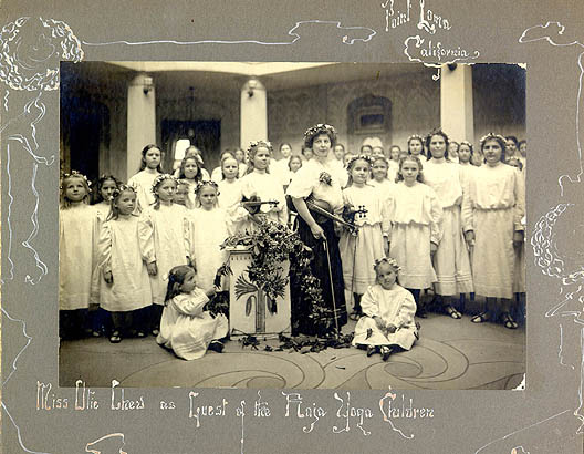 Miss Olie Chew's concert at Lomaland, 1910