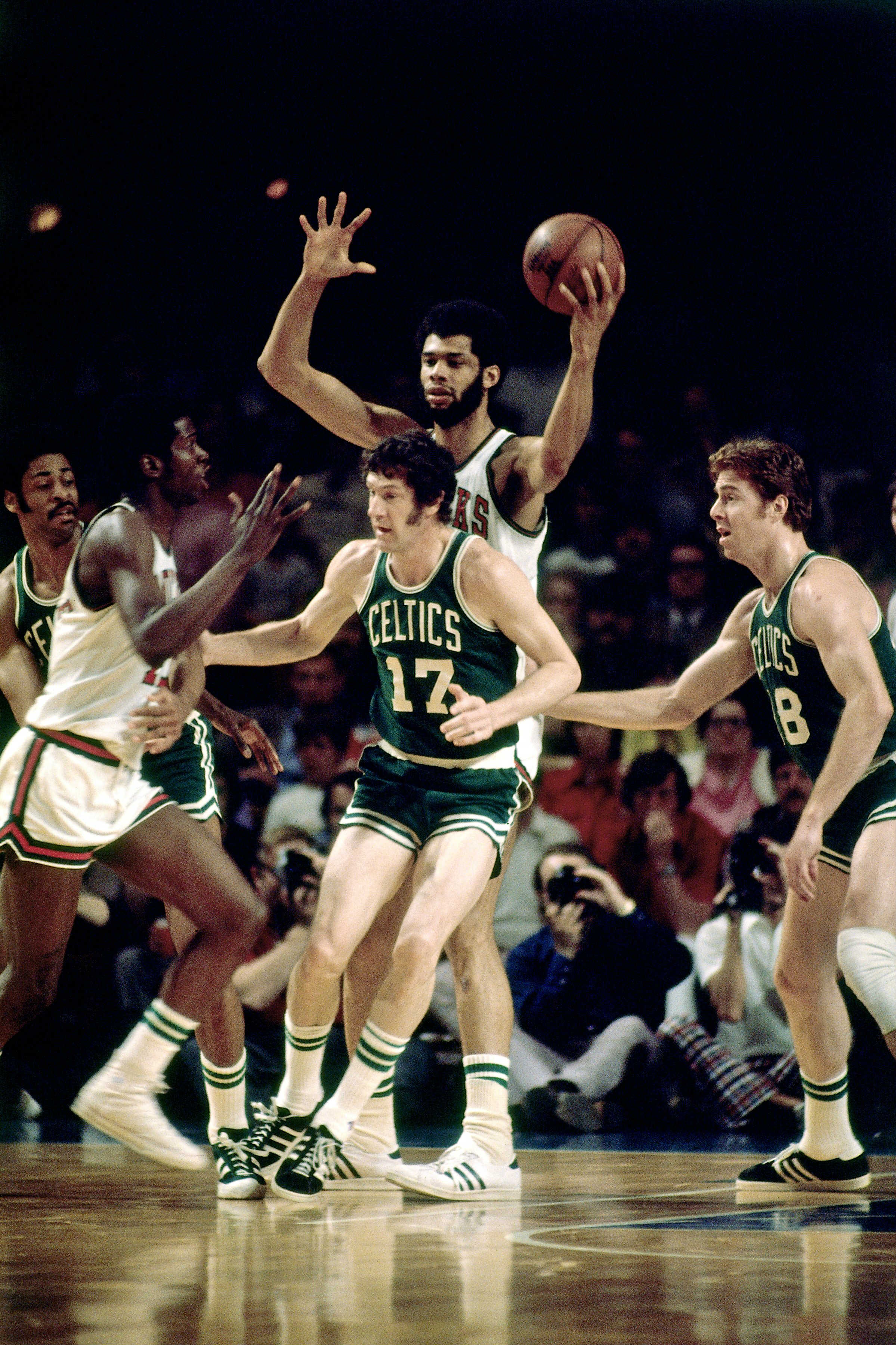 Kareem Abdul-Jabbar playing for the Milwaukee Bucks