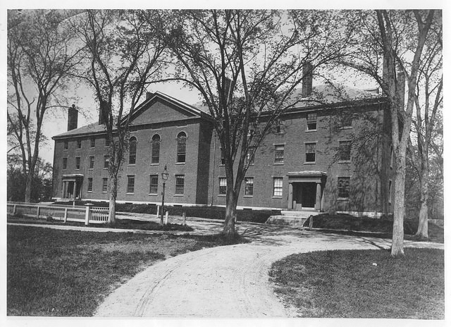 Early photograph of Divinity Hall