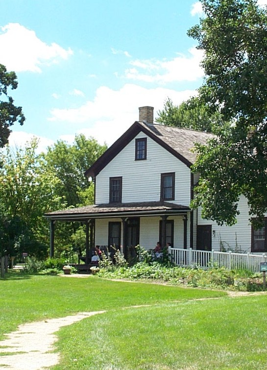 The farmhouse was originally built in 1854 and expanded over the years. Photo: Aroobix12, via Wikipedia Commons