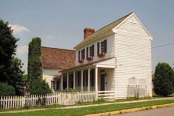 Wilson-Wodrow-Mytinger House Exterior