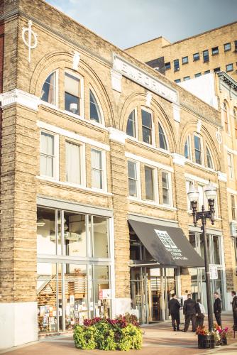 The Emporium Center for Arts & Culture