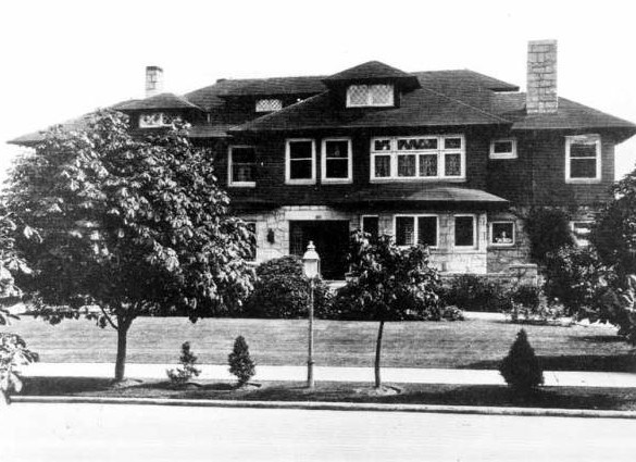 Picture of the Kerry house, 1913. The Kerry house was designed by the architectural firm of two of the most prominent architects of that time period, Charles Bebb and Louis Mendel.