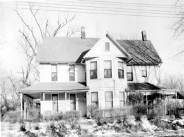 Photo of a childhood home of Harry S. Truman, 909 W. Waldo, Independence, Missouri, in the winter. ca. 1947
