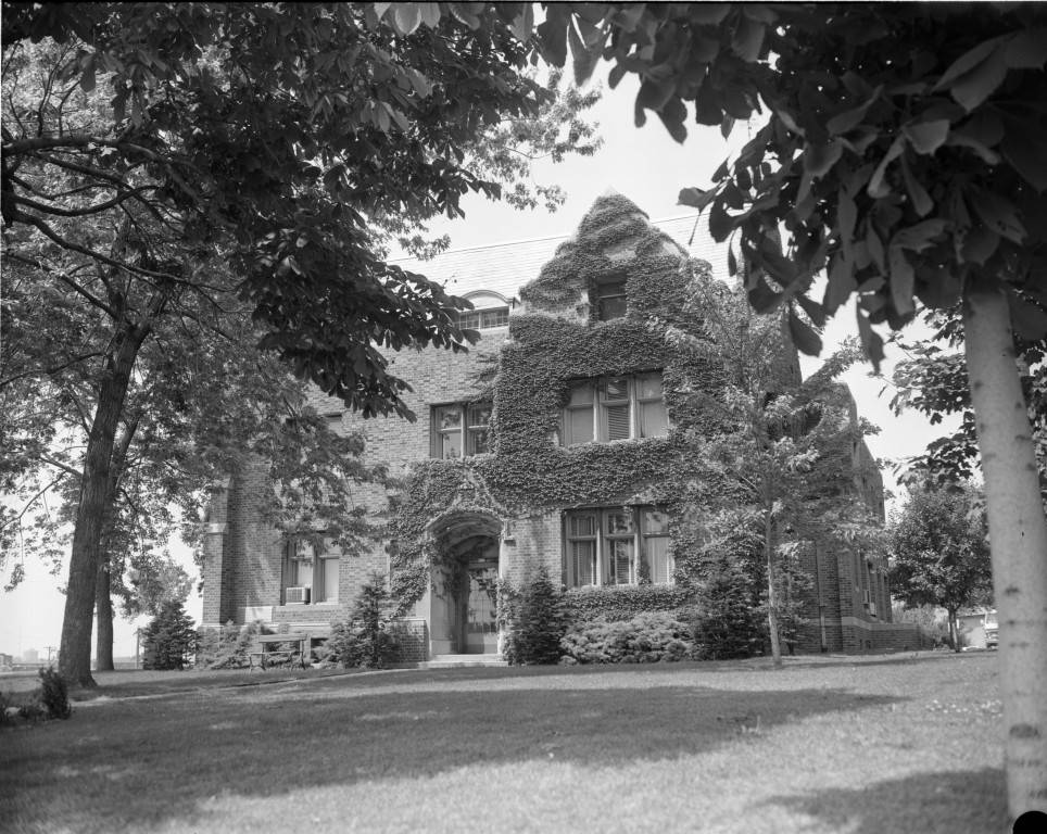 "Ivy covers the exterior walls of O'Hara Hall, 1972 (""Department of Special Collections and University Archives, Marquette University Libraries, MUA_008691)"