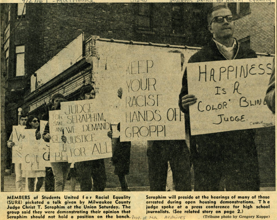 "Members of Students United for Racial Equality picket a talk, 1967 (""Department of Special Collections and University Archives, Marquette University Libraries, MUA_011963)"