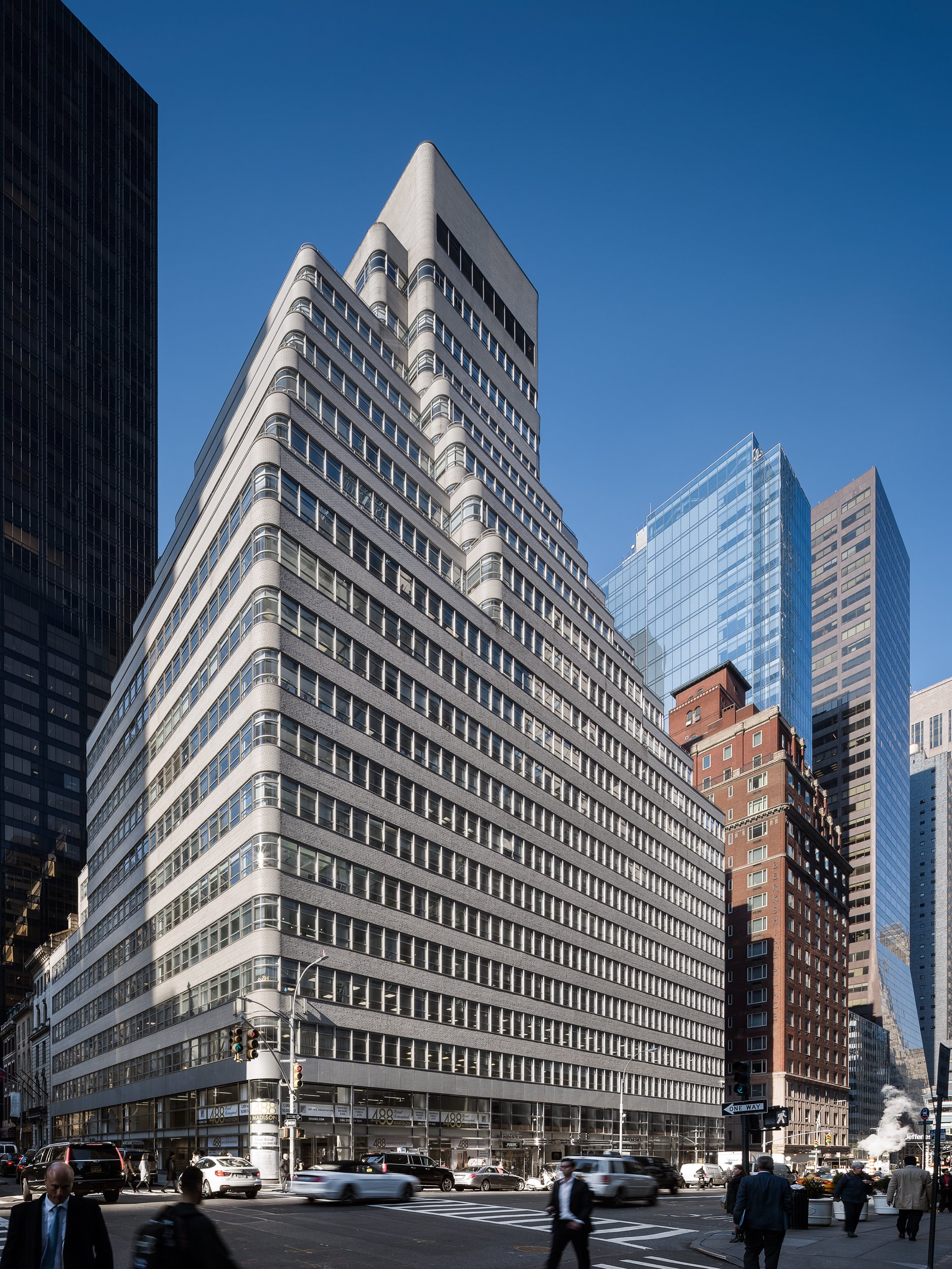 488 Madison Ave, New York -- Formerly (historically): The Look Building