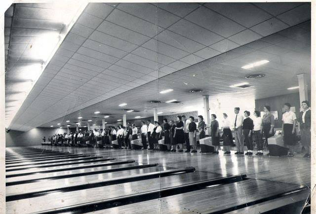 Inside Colonial Lanes on opening day, 1959