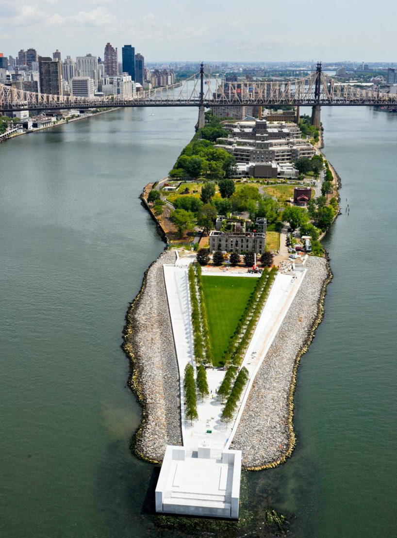 This aerial view of the Four Freedoms Park shows its position at the end of Roosevelt Island.
