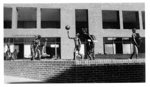 """The Student Body"" in its original location outside Davis Library, with all of its figures present (Black and Blue Tour)"