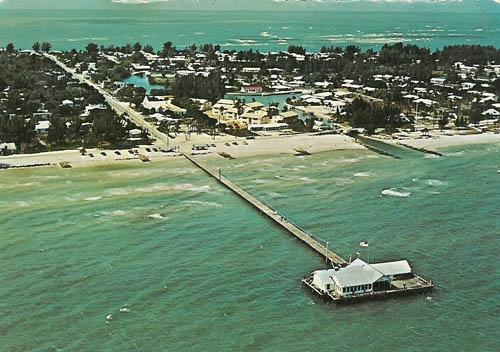 Top view of the Anna Maria Island City Pier