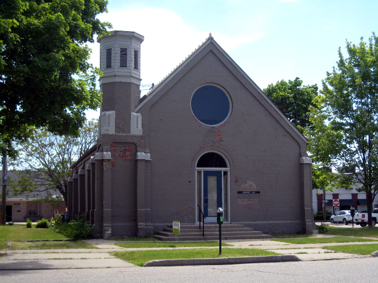 Universalist Society Church, west elevation, 2020