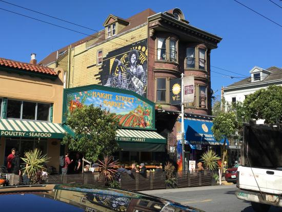 The apartment as it appears today, with a mural of Hendrix on the side
