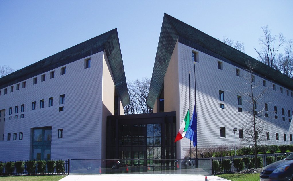 The Italian Embassy building is divided in two to symbolize the way the Potomac River cuts through D.C. Photo by SimonP at English Wikipedia.