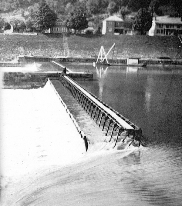 Lock 10 Chanoine Wicket Dam