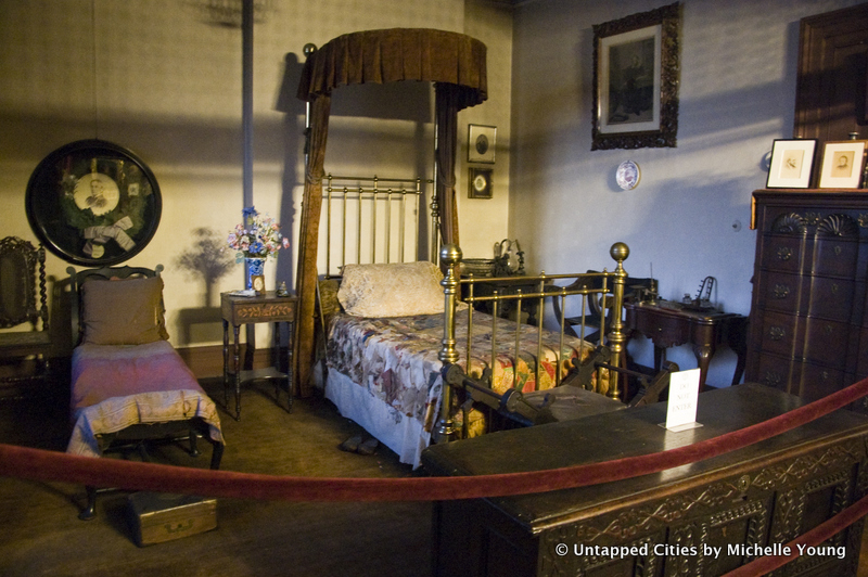 Booth's bedroom