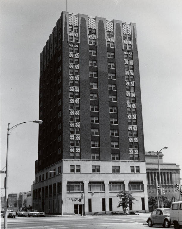 "M. Carpenter Tower, view from Wisconsin Avenue, 1972 (""Department of Special Collections and University Archives, Marquette University Libraries, MUA_001101)"