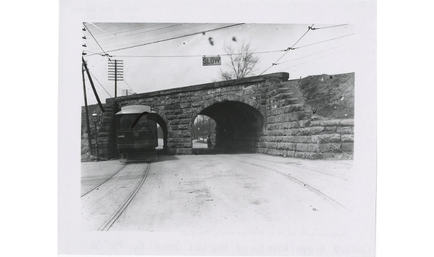 Bridges over Lake Avenue in 1910s later replaced by Striebinger's bridge