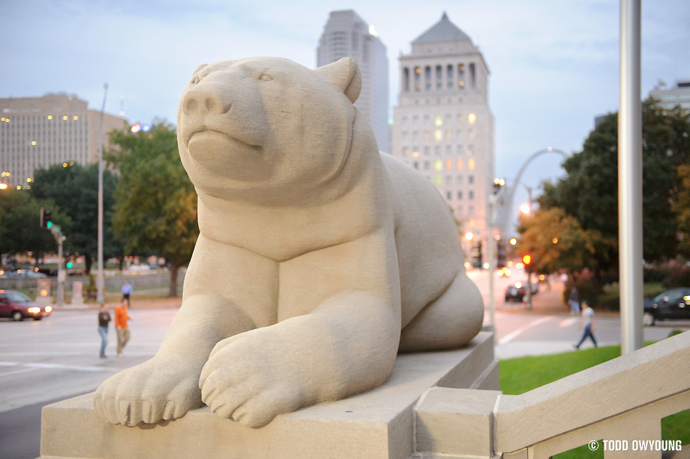 The Peabody Opera House is well known for its bear statues, which have since been incorporated into the Opera House's new logo. Image obtained from photoshelter.com.