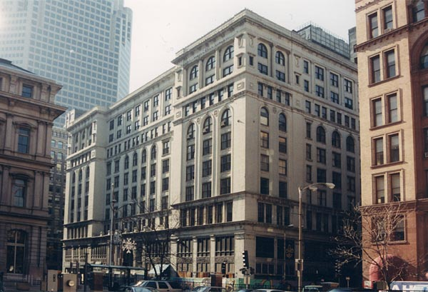 The Century Building in the years prior to its demolition. Image obtained from builtstlouis.net.