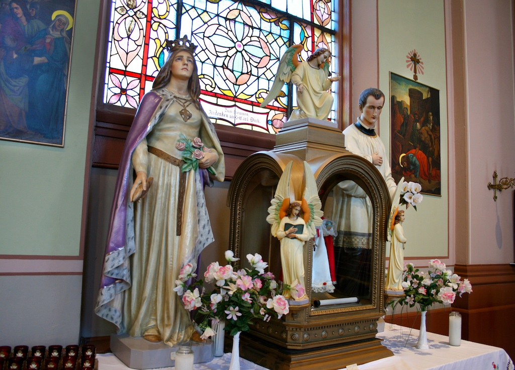 The interior of St. Mary of Victories contains many elaborate works of art such as mosaics and statues. Image obtained from St. Mary of Victories Catholic Church.