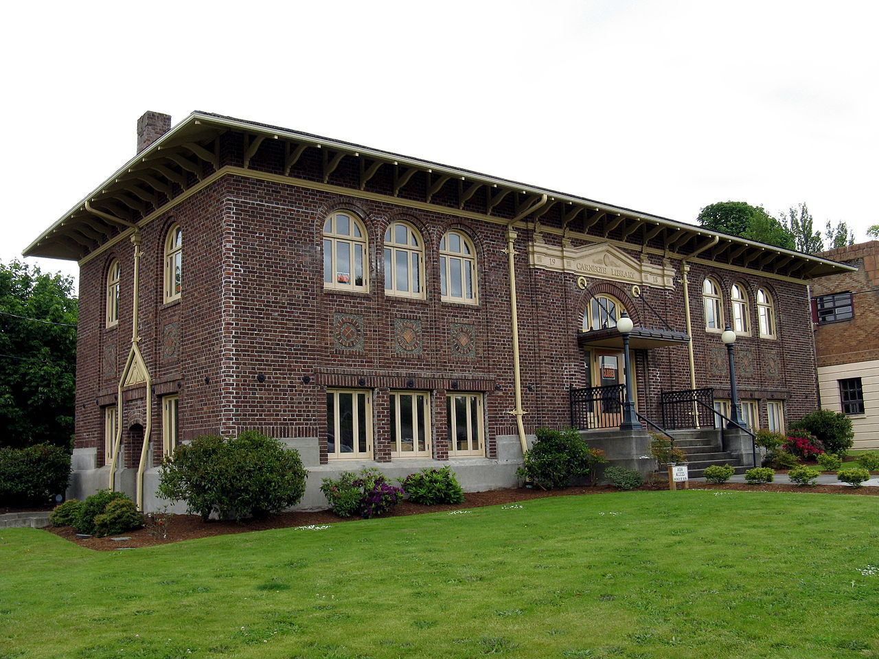 The Carnegie Museum was built in 1919 and operated as library until 1967. It is now managed by the the Lower Elwha Klallam Tribe.
