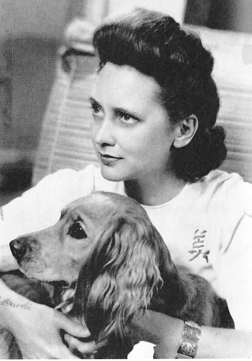 Photograph of Elizabeth Peet McIntosh, courtesy of Elizabeth P. McIntosh and Linda McCarthy.