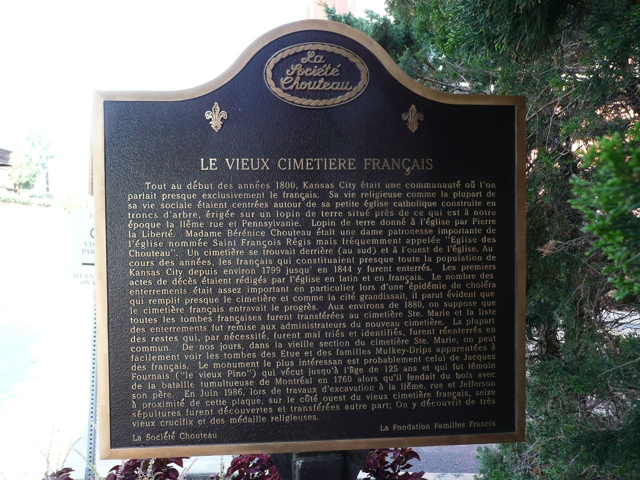 French side of the marker. Image obtained from the Historical Marker Database.