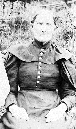 Photograph of Orleana Puckett, courtesy of Wavy Worrell (photographer unknown).