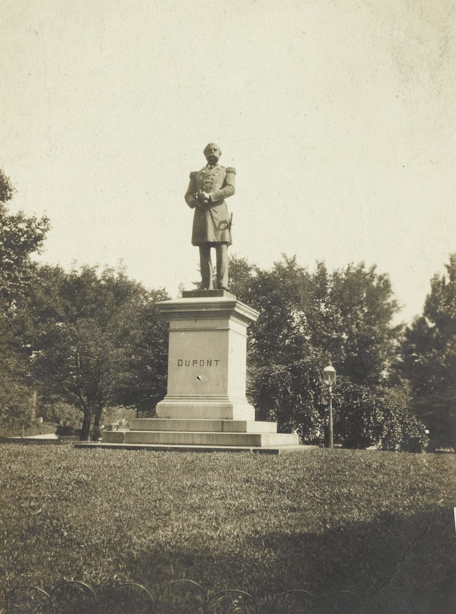 Plant, Pedestal, Sky, Statue