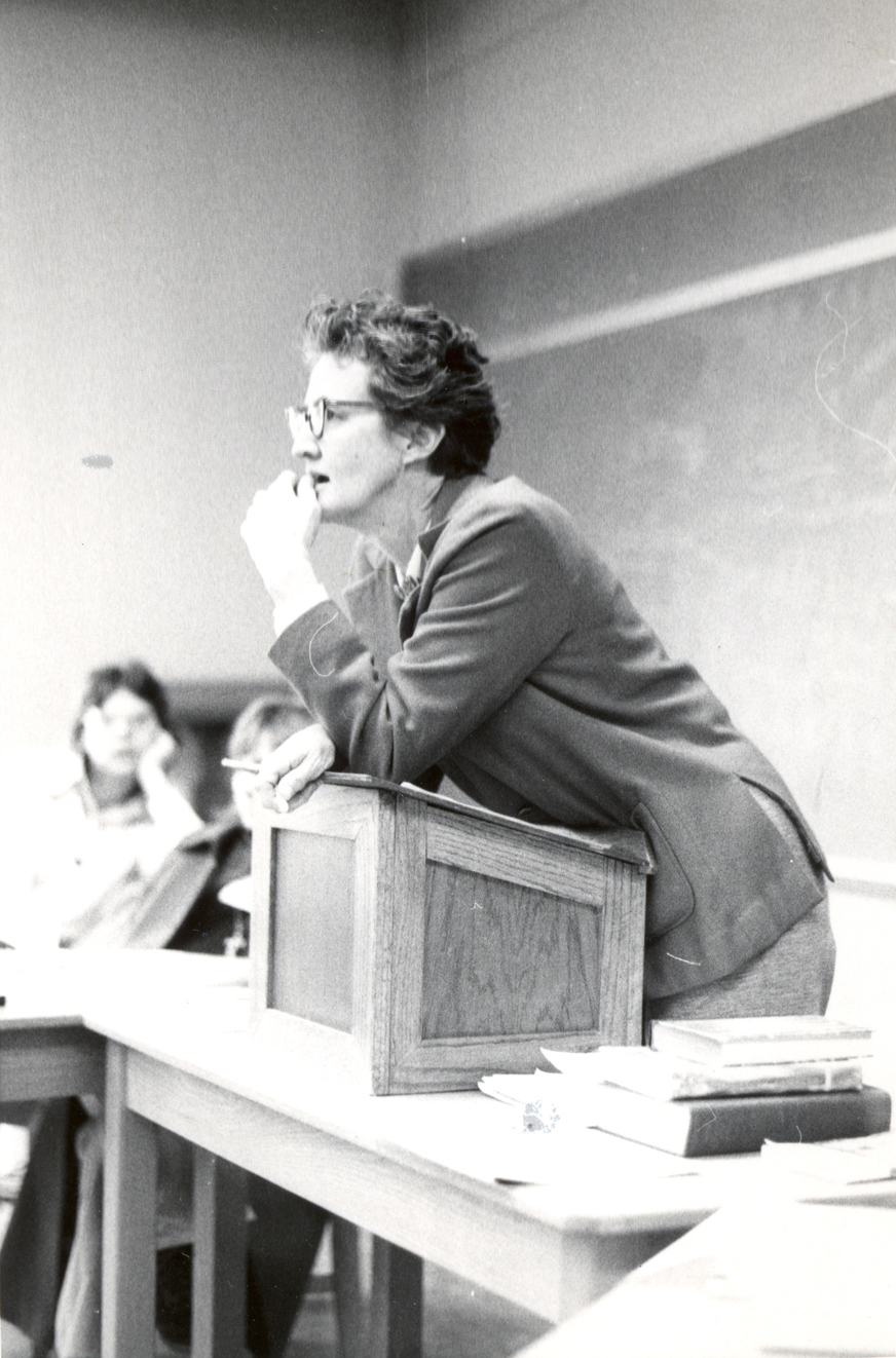Isabel Wood Rogers teaching at the Presbyterian School of Christian Education, courtesy of William Smith Morton Library, Union Presbyterian Seminary, Richmond, Va.