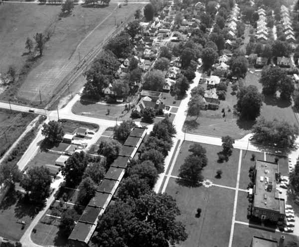 Aerial photo taken in 1962, with the hospital located in the bottom right corner. (Photo retrieved from http://chattoogaphotohistory.com )