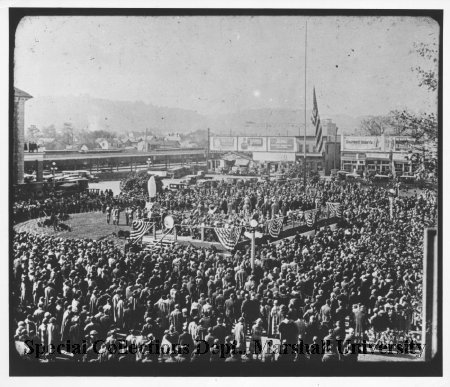 Crowd gathered at the unveiling of the Huntington statue in 1924