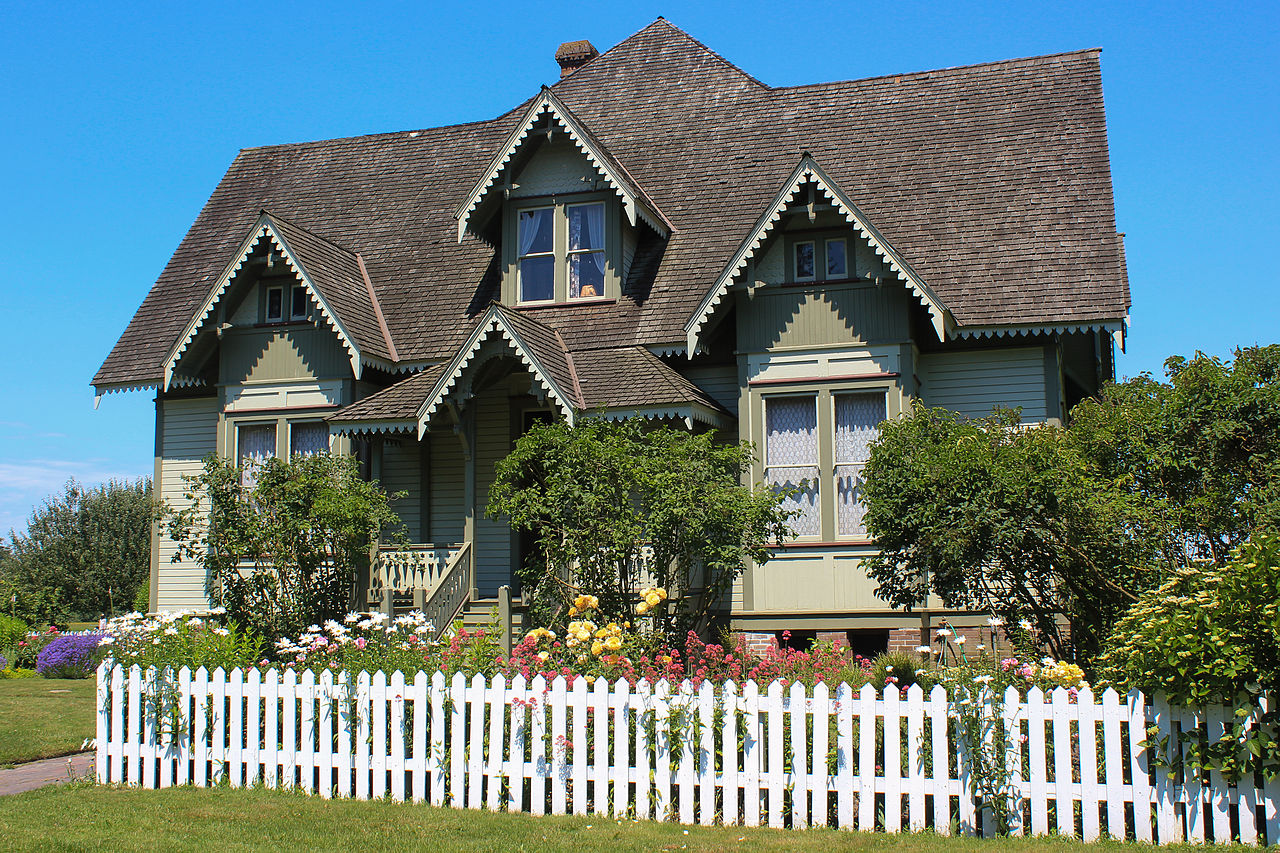 Built in 1903, the Hovander House is a beautiful example of Stick/Eastlake architecture.