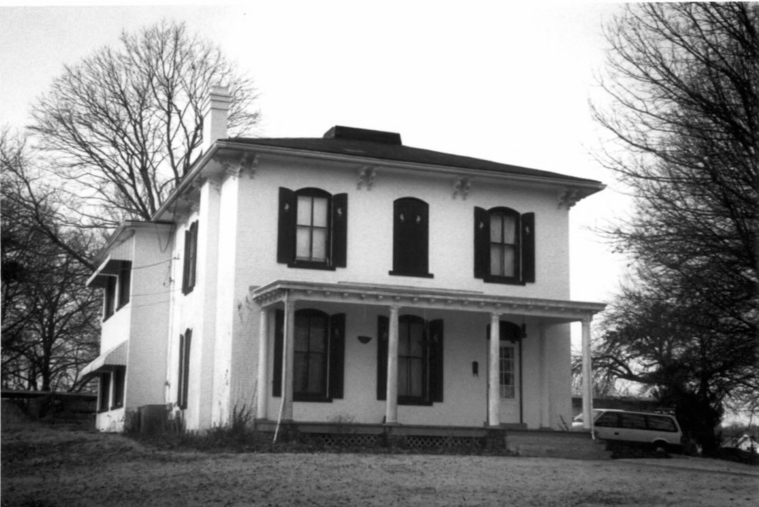 2002 photo of front facade of Gertrude and Nelson Burch House (Beetem)