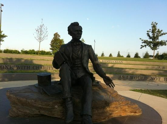Lincoln Statue at Waterfront Park